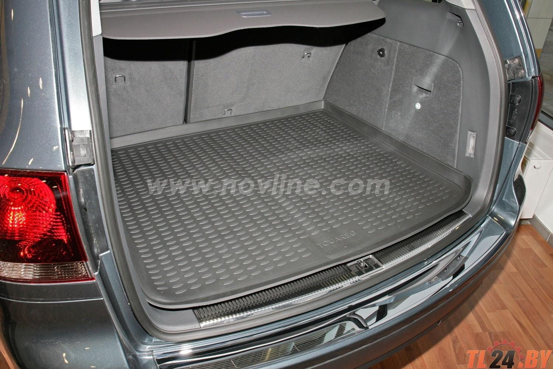 Коврик в багажник Novline NLC.51.01.B13g VW Touareg 10/2002->,  кросс. (полиуретан,  серый)